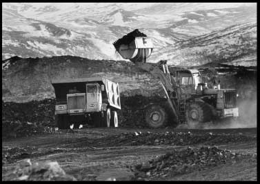 Hough front-end loaders loaded International Harvester 45 ton Trucks in a UCM pit in the 1970s