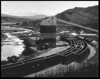 The UCM Tipple being loaded ARR coal trains at Suntrana for delivery to customers in Fairbanks